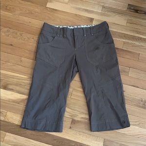 Athleta cropped pant; size 10